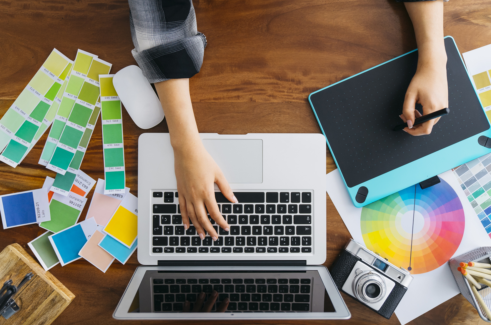 How to interact with a graphic designer in your digital marketing campaigns?  – IDEA YOUR BLOG SITE  2020